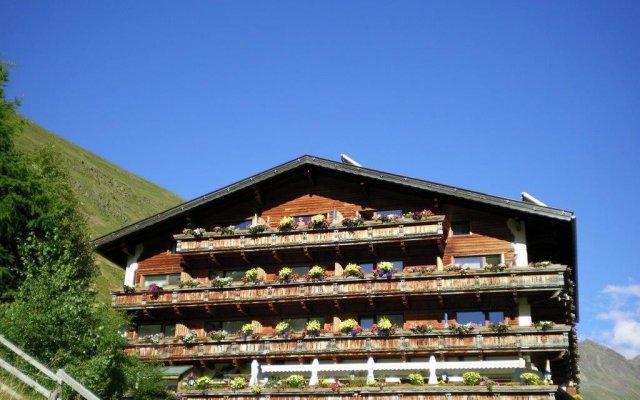 Отель GEIERWALLIHOF Австрия, Хохгургль - отзывы, цены и фото номеров - забронировать отель GEIERWALLIHOF онлайн вид на фасад