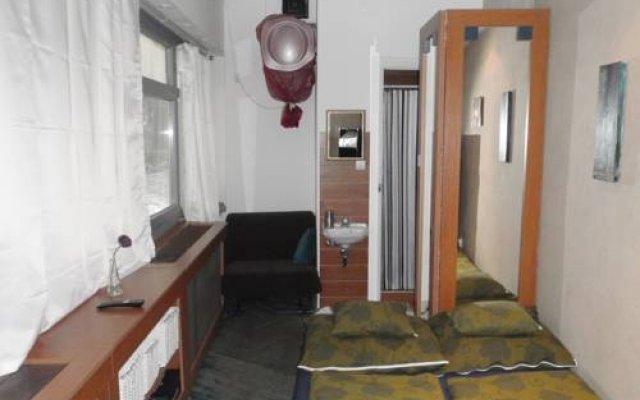 Отель Central Homes комната для гостей