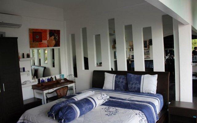 Отель Karon Cliff Bungalows Таиланд, Пхукет - 4 отзыва об отеле, цены и фото номеров - забронировать отель Karon Cliff Bungalows онлайн вид на фасад