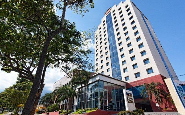 Отель Crowne Plaza San Pedro Sula вид на фасад