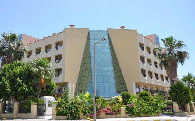 Rizzi Hotel вид на фасад