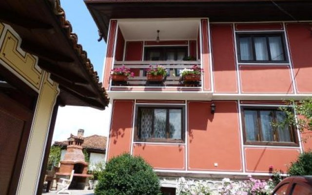 Отель Guest House Lina вид на фасад