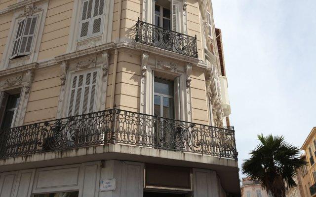 Cannes Palais Bourgeois 0