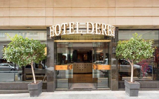 Hotel Derby Barcelona вид на фасад
