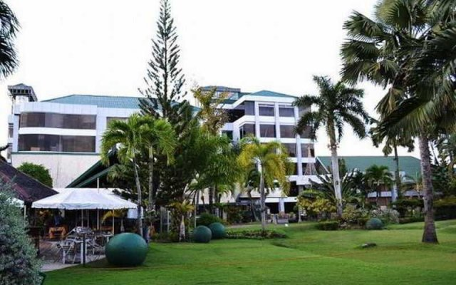 The Ritz Hotel at Garden Oases