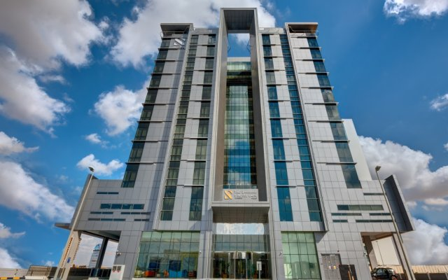 The S Hotel Al Barsha вид на фасад