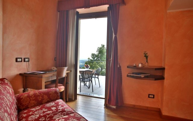 Отель Albergo Ristorante Maggioni Монтевеккья комната для гостей