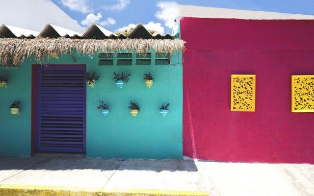 Отель The Mermaid Hostel Downtown - Adults Only Мексика, Канкун - отзывы, цены и фото номеров - забронировать отель The Mermaid Hostel Downtown - Adults Only онлайн вид на фасад
