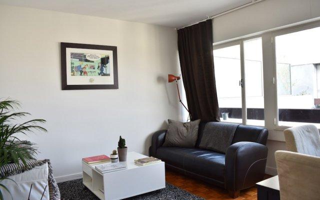Апартаменты Top Floor 1 Bedroom Apartment Near Gare de Lyon комната для гостей