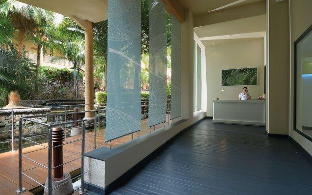 Отель Victoria Beachcomber Resort & Spa вид на фасад