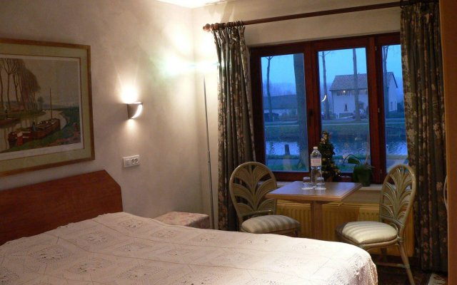Le Coquin Bed & Breakfast 1