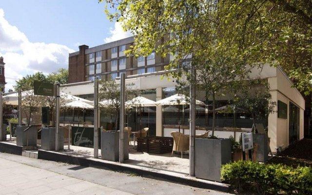 Отель Premier Inn London Hampstead вид на фасад
