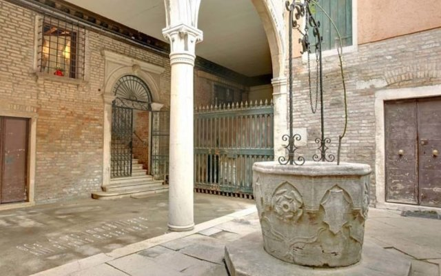 Апартаменты Grimaldi Apartments – Cannaregio, Dorsoduro e Santa Croce вид на фасад