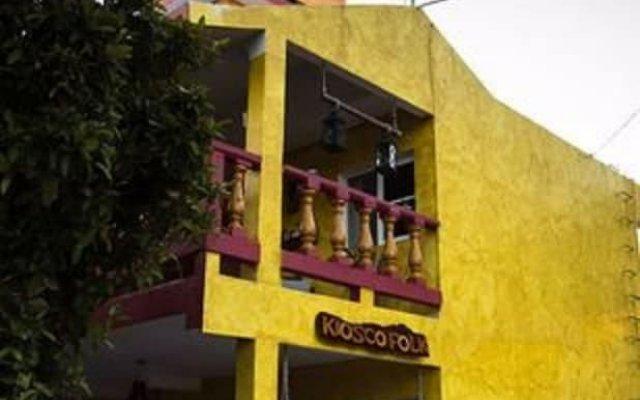 Отель Hostel Kiosco Verde Folk Room Мексика, Канкун - отзывы, цены и фото номеров - забронировать отель Hostel Kiosco Verde Folk Room онлайн вид на фасад