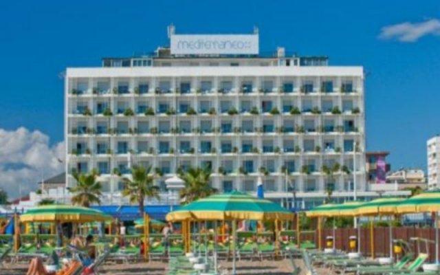 Hotel Mediterraneo вид на фасад