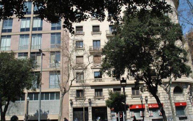 Отель Sweet BCN Traveller House вид на фасад