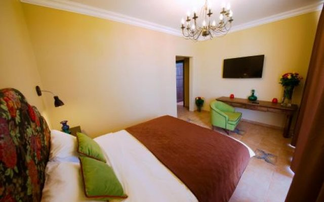 Picasso Guest house 2