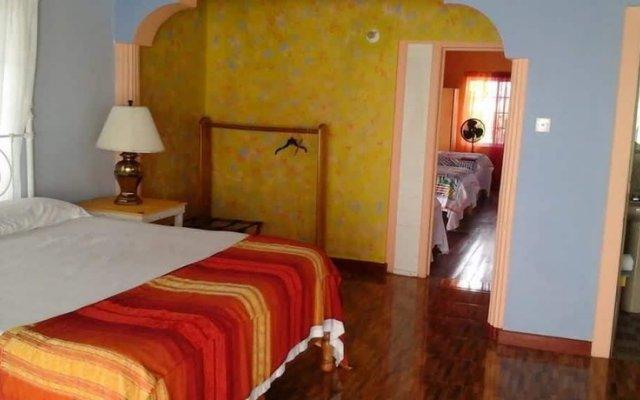 Отель Taino Cove Треже-Бич комната для гостей