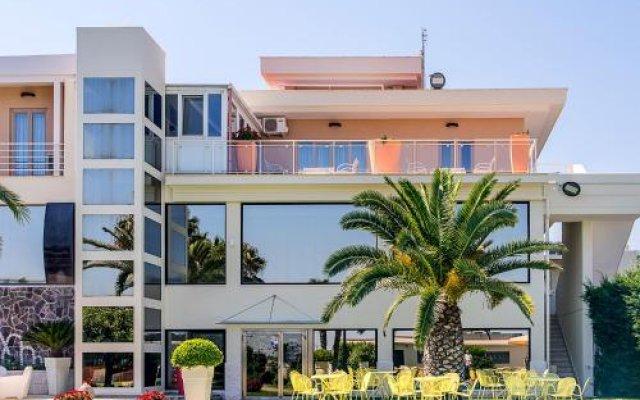 Hotel Villa Maria Криспьяно вид на фасад