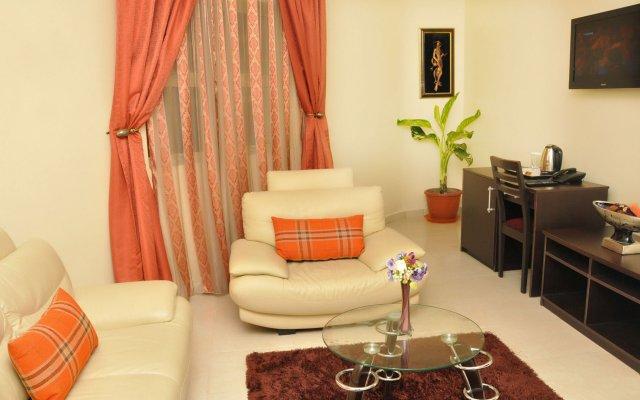 Отель Sparklyn Hotels & Suites комната для гостей