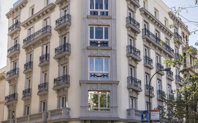 Отель Safestay Madrid вид на фасад