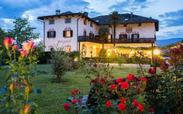 Hotel Ansitz Rungghof Аппиано-сулла-Страда-дель-Вино вид на фасад