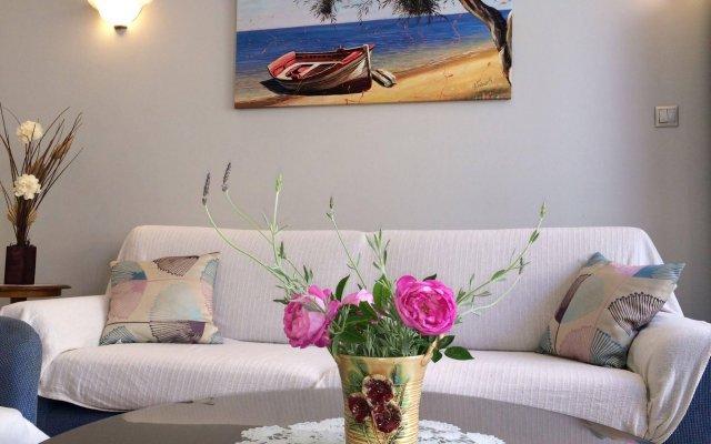 Отель Isidora Hotel Греция, Эгина - отзывы, цены и фото номеров - забронировать отель Isidora Hotel онлайн комната для гостей