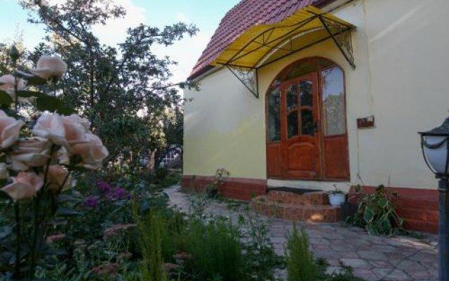 Отель Jamilya B&B Кыргызстан, Каракол - отзывы, цены и фото номеров - забронировать отель Jamilya B&B онлайн вид на фасад