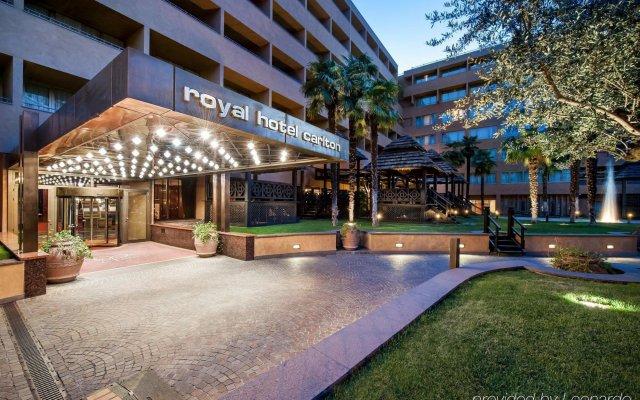 Отель Royal Hotel Carlton Италия, Болонья - 3 отзыва об отеле, цены и фото номеров - забронировать отель Royal Hotel Carlton онлайн вид на фасад