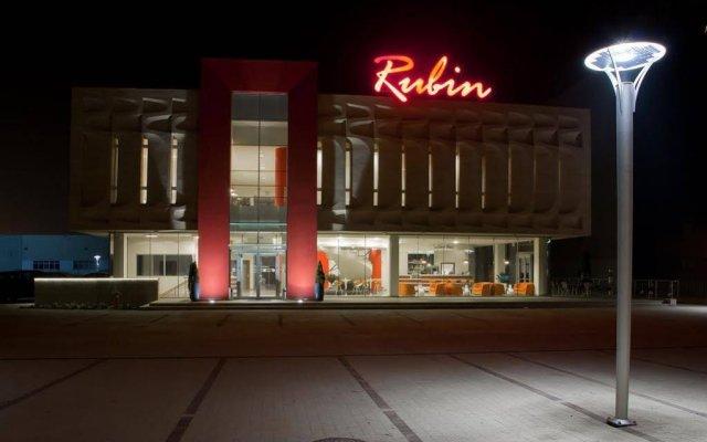 Отель Centrum Konferencyjno - Bankietowe Rubin вид на фасад