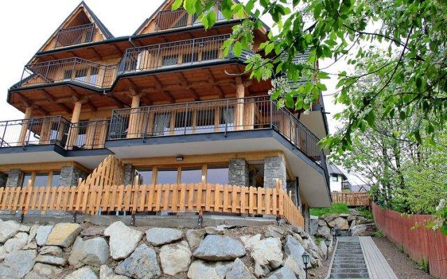 Отель Miodowy Косцелиско вид на фасад