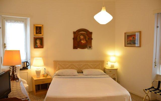 Отель 10 E Lode Италия, Рим - отзывы, цены и фото номеров - забронировать отель 10 E Lode онлайн комната для гостей