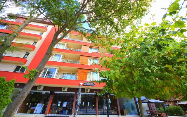 Апартаменты Menada Zornitsa Apartments вид на фасад