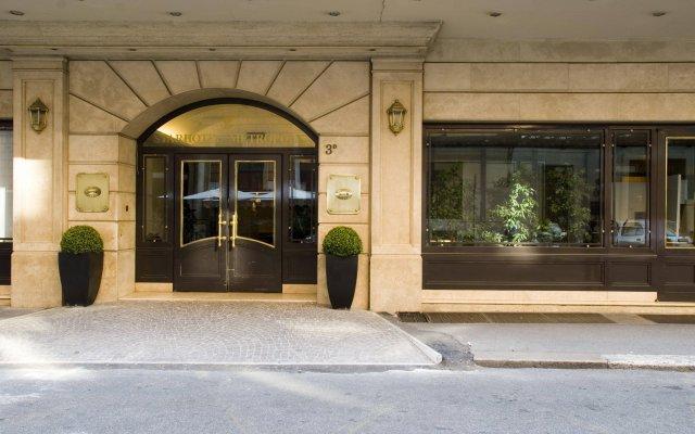 Отель Starhotels Metropole вид на фасад
