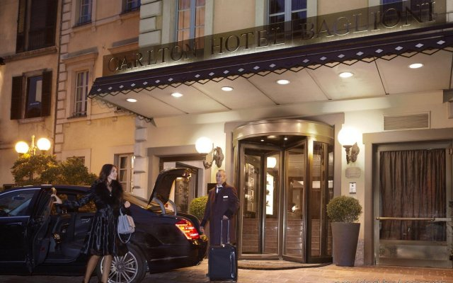 Baglioni Hotel Carlton вид на фасад