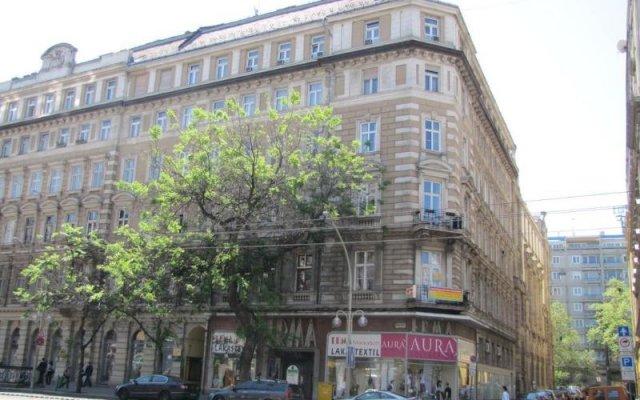 Friends Hostel & Apartments Будапешт вид на фасад