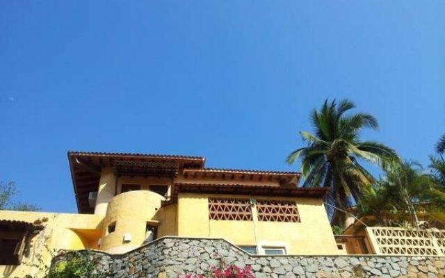 Hotel Plaza Tucanes вид на фасад