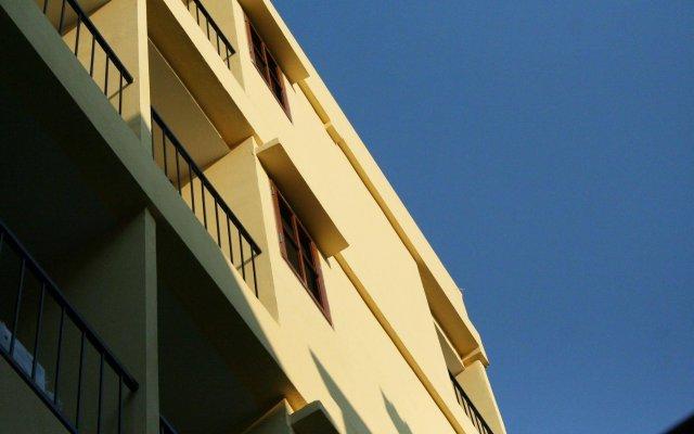 Отель JL Bangkok Таиланд, Бангкок - отзывы, цены и фото номеров - забронировать отель JL Bangkok онлайн вид на фасад