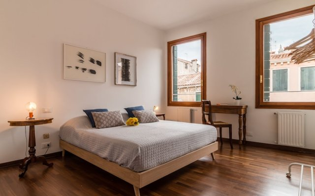 Отель Venezia Spirito Santo Canal View комната для гостей