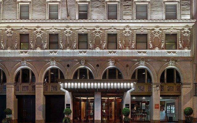 Отель Paramount Times Square вид на фасад