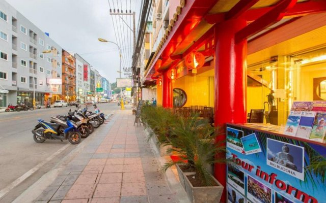Отель House of Wing Chun Патонг вид на фасад