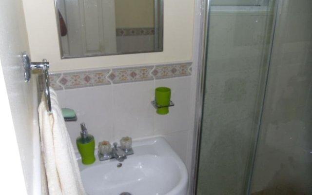 Апартаменты New Kingston Apartments at Kensington ванная