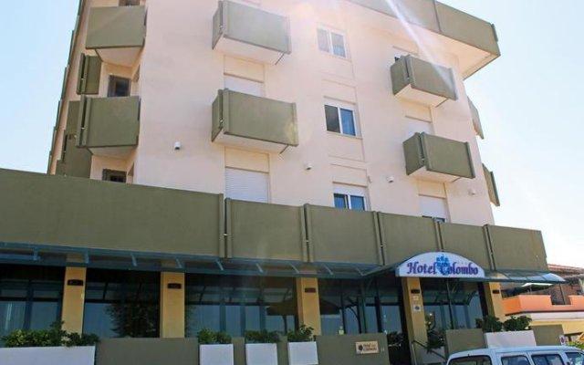 Hotel Colombo Римини вид на фасад