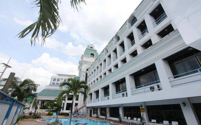 Camelot Hotel Pattaya Паттайя вид на фасад