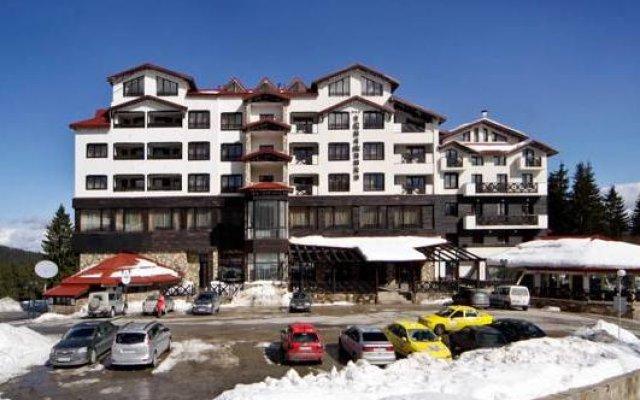 Отель Snezhanka Apartments TMF Болгария, Пампорово - отзывы, цены и фото номеров - забронировать отель Snezhanka Apartments TMF онлайн вид на фасад