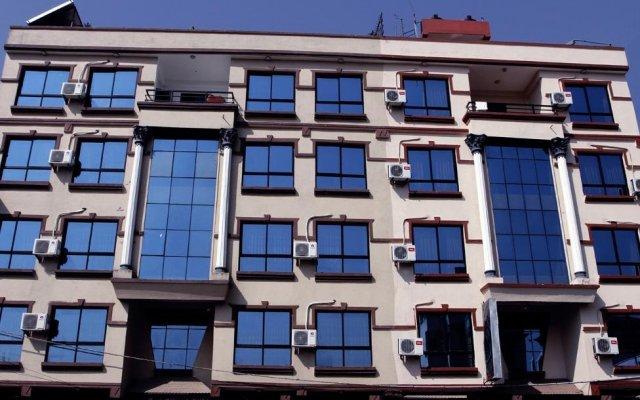 Отель Peak Point Hotel Непал, Катманду - отзывы, цены и фото номеров - забронировать отель Peak Point Hotel онлайн вид на фасад