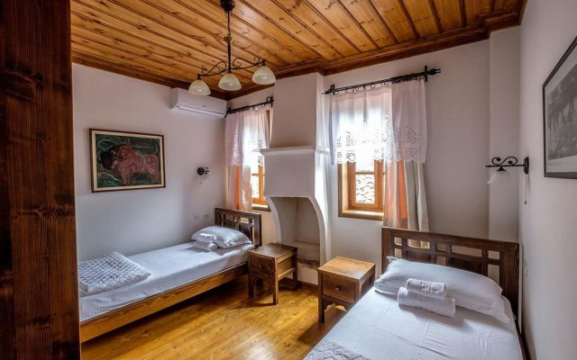 Отель Maya Hostel Berat Албания, Берат - отзывы, цены и фото номеров - забронировать отель Maya Hostel Berat онлайн комната для гостей