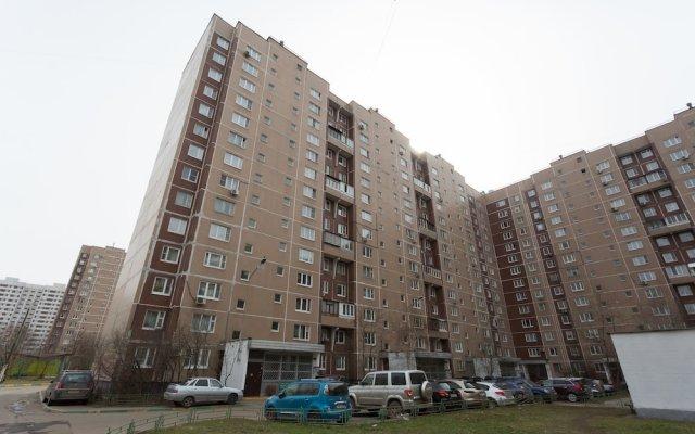 Гостиница Cozy 2 rooms ?partment on Novocherkassky Boulevard вид на фасад