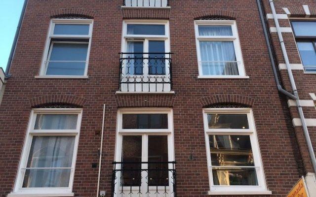 Отель Amsterdam Hostel Centre Нидерланды, Амстердам - отзывы, цены и фото номеров - забронировать отель Amsterdam Hostel Centre онлайн вид на фасад