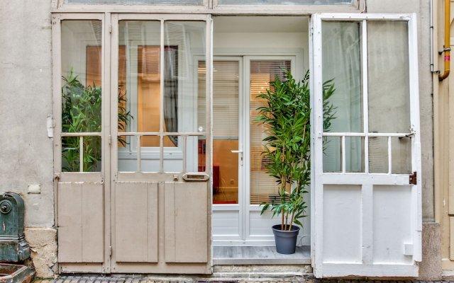 Отель 07- Best Flat of Grand Boulevard Франция, Париж - отзывы, цены и фото номеров - забронировать отель 07- Best Flat of Grand Boulevard онлайн вид на фасад